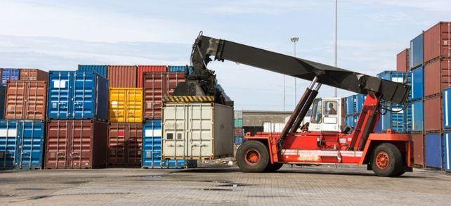 Die Container für Kunden in Schwellenländern sind nicht mehr so voll beladen. Wegen knapper Handelsfinanzierungen bleiben die Bestellungen oft aus.