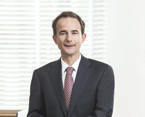 Rechtsanwalt Dr. Reinhard Lutz ist spezialisiert auf die Beratung und Konfliktlösung bei Auseinandersetzungen unter Gesellschaftern.