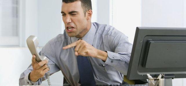 Unzufriedene Mitarbeiter lassen ihren Frust häufig auf Arbeitgeberbewertungsportalen aus. Gegen die dort geäußerten Vorwürfe haben Chefs nur bedingt rechtliche Handhabe.