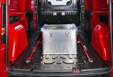 Ordnung muss sein: Wie hier die Zuladung im Gepäckraum des Opel Combo muss auch der gesamte Fuhrpark übersichtlich und sicher organisiert sein.