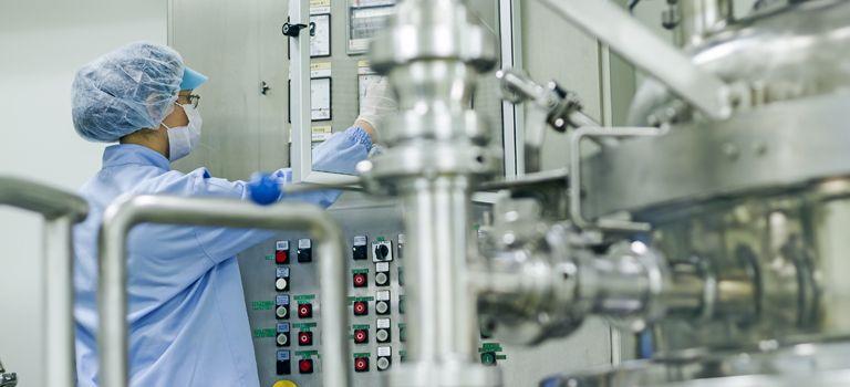 Stimmt die Chemie? In zahlreichen Branchen werden 2019 neue Tarifverträge verhandelt