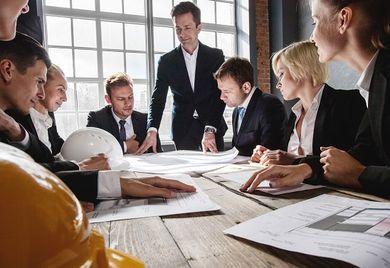 Starkes Team: Die richtigen Mitarbeiter für das eigene Unternehmen zu finden, ist wichtig - und wird immer schwieriger.