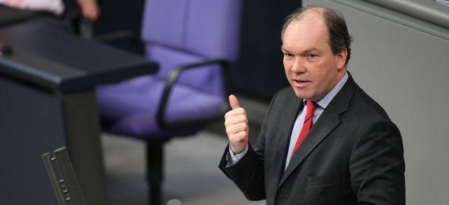 Zwischen Chefsessel und Rednerpult: Murmann im Deutschen Bundestag.