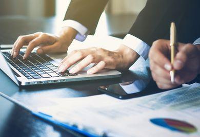Gründliche Analyse: Vor der Beteiligung nehmen Finanzinvestoren das Kaufobjekt genau unter die Lupe.
