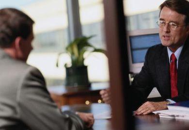 Am sogenannten German Desk können Vertreter deutscher Firmen im Ausland künftig Finanzierungsmöglichkeiten und Marktinformationen aus einer Hand beziehen.