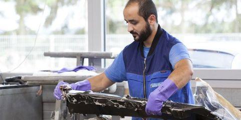 Bashar Mina kommt aus Syrien und arbeitet seit gut einem Jahr bei dem Karrosseriebaubetrieb Weissenfels.