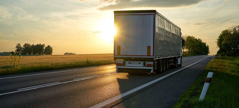 Per LKW: Ein Großteil des Rekord-Güterverkehrs war auch 2016 auf der Straße unterwegs.