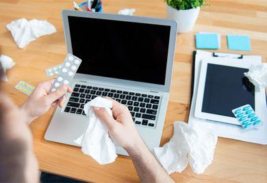 Gesundheit: In den kalten Monaten sorgen regelmäßig Grippe- und Erkältungswellen für leere Büros.