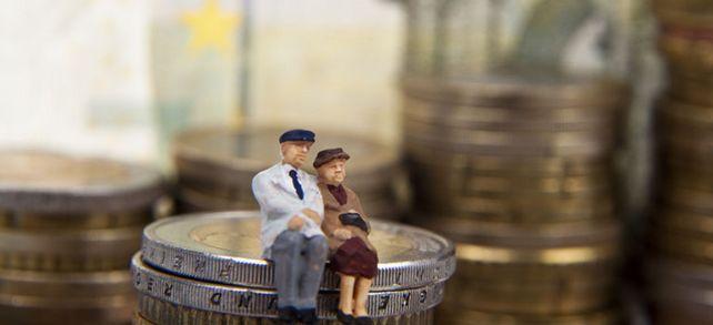 Nur wenige Arbeitnehmer nutzen die Angebote zur betrieblichen Altersverorgung – aufgrund schlechter Kommunikation. Diese sollte gerade in Zeiten des Fachkräftemangels verbessert werden, denn das kommt auch den Arbeitgebern zugute.