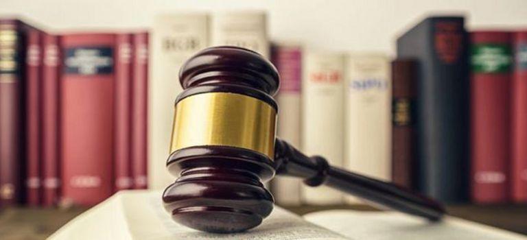 Urteil: Private Internetnutzung auf der Arbeit kann zur Kündigung führen.