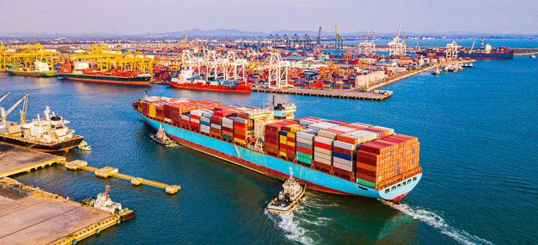 Unterstützung aus der Politik: Welche Auswirkungen die Hilfspakete der Bundesregierung auf die Exportwirtschaft haben.