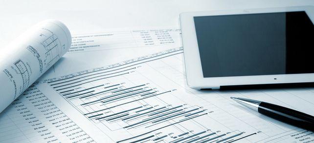 Flüssig bleiben: Eine Übersicht aller Ein- und Auszahlungen hilft dabei, alle Rechnungen pünktlich bezahlen zu können.
