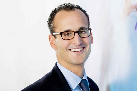 Dr. Nicolàs Schmitz