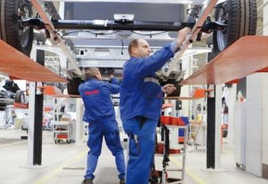 Der Automobilzulieferer Al-Ko Kober produziert am Standort Ettenbeuren AMC Chassis.