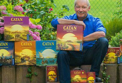"""Mastermind der deutschen Brettspielszene: Seit der Erstveröffentlichung von """"Die Siedler von Catan"""" 1995 hat Klaus Teuber die Grundidee zu einer ganzen Produktfamilie ausgebaut."""