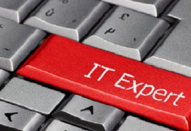 IT-Experte auf Knopfdruck – schön wär's. Doch die Realität sieht anders aus. Im Bereich IT ist der Fachkräftemangel besonders groß.