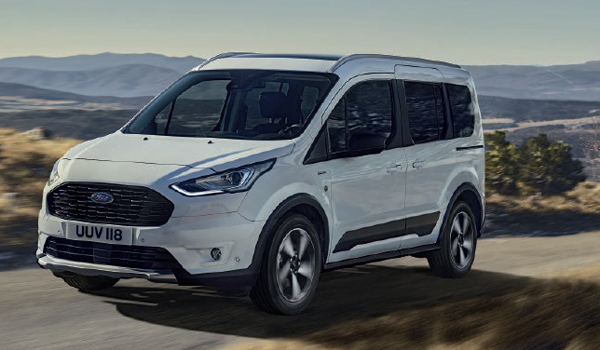 Ford Tourneo Connect: Als ausgewiesener Kleintransporter wartet der Wagen mit Diesel-Motoren zwischen 75 und 120 PS auf. Auch ein Benziner mit 100 PS ist zu haben. In den Laderaum passen je nach Modellvariante 2.410 bis 2.761 Liter Fracht hinein.