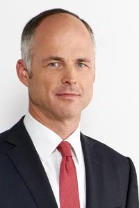 Heinrich von Bünau ist Partner bei der Rechtsanwaltskanzlei Metis und spezialisiert auf Gesellschaftsrecht und Mergers & Acquisitions.