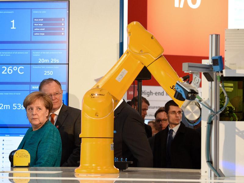 Bei der Hannover Messe wird Bundeskanzlerin Angela Merkel wohl auch 2018 zu Gast sein. Die weltweit wichtigste Industriemesse findet in den Messehallen Hannover vom 23. bis 27. April statt.