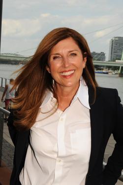 Nelly Kostadinova ist Gründerin und Geschäftsführerin von Lingua-World.