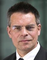 Hans-Dieter Schat von der FOM Hochschule
