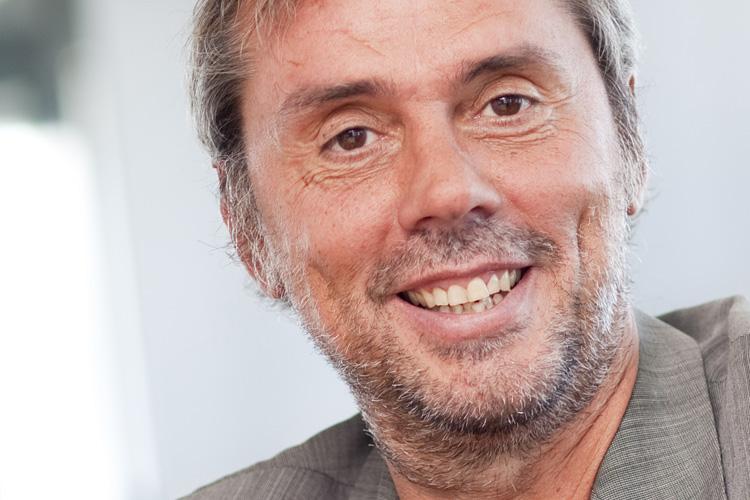 """Jörg Frey, Geschäftsführer, Haufe-Lexware GmbH & Co. KG, Freiburg """"In Zeiten, in denen die Märkte in Bewegung sind, ist es wichtig, dass Unternehmer ihr Potential und die Chancen genau kennen. Wir sehen vor allem die Digitalisierung als Chance. Deshalb wollen wir die kleinen und mittelständischen Unternehmen dabei unterstützen, ihre Ziele und Visionen zu verwirklichen. Hier gilt es nun, unsere Vision der Automatisierung in der kompletten Buchhaltung weiterhin konsequent umzusetzen und die Zusammenarbeit mit den Steuerberatern zu intensivieren."""""""