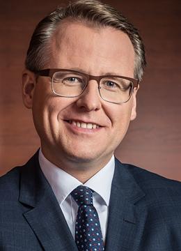 Axel Wenzel von Oppenhoff und Partner