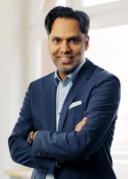 Murtaza Akbar ist Dozent an der Hochschule Darmstadt im Studiengang Onlinekommunikation und Geschäftsführer der Agentur Wortwahl.