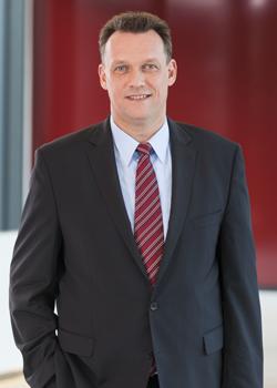 Ralf Bornemann ist Rechtsanwalt bei der Kanzlei DHPG. Im Schwerpunkt befasst er sich mit der Restrukturierung, Sanierung und Insolvenzverwaltung von Unternehmen in Krisensituationen.