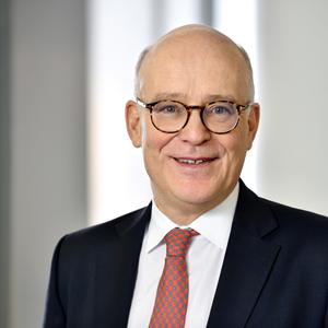 Stephan Knichel ist Vorstand der Vermögensberatung Tresono Family Office. Er verantwortet schwerpunktmäßig die Betreuung von Gesamtvermögen und Immobilien.